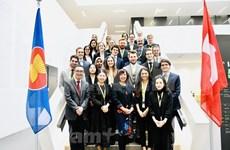 Un séminaire sur la politique extérieure du Vietnam et le partenariat Vietnam-Suisse
