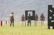 Vietnam-Australie : un cours de formation sur les techniques de tir au fusil militaire