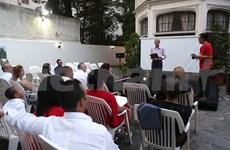 Echange d'amitié entre l'ambassade du Vietnam et celle de Cuba en Argentine