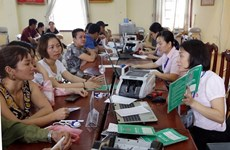 Hanoï débloque 650 milliards de dongs en faveur des pauvres touchés par la pandémie