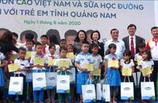 Du lait à l'école pour des enfants de Quang Nam