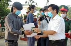 COVID-19 : Ninh Thuan remet l'attestation de remplir le délai de quarantaine à des citoyens