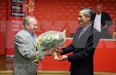 Présentation d'un livre sur le Président Ho Chi Minh en Allemagne