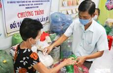 A Ho Chi Minh-Ville, on peut échanger des déchets plastiques contre du riz