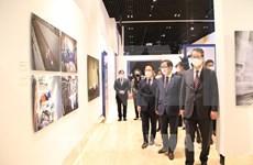 L'Agence vietnamienne d'Information participe à une exposition internationale sur le COVID-19
