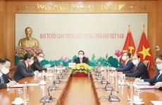 Vietnam et Laos renforcent leur coopération dans la sensibilisation et l'éducation