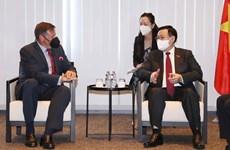 Le président de l'AN rencontre des dirigeants de plusieurs groupes économiques en Belgique