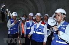 Le Premier ministre se rend sur le chantier de la ligne de métro à HCM-Ville