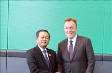 Le vice-président de l'AN, Do Ba Ty, en visite de travail en Allemagne