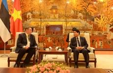 Hanoi veut coopérer avec l'Estonie pour construire une ville intelligente
