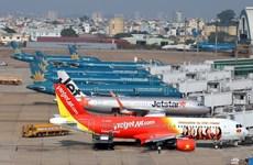 Les transporteurs aériens nationaux améliorent leur ponctualité