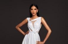 La beauté rayonnante de Hoàng Thùy pour Miss Univers 2019