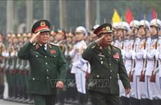 Le ministre lao de la Défense en visite de travail au Vietnam