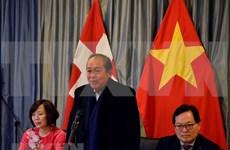 Des activités du vice-PM permanent Truong Hoa Binh au Forum économique mondial à Davos