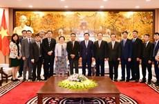Hanoï s'engage à faciliter les investissements étrangers