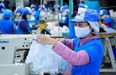 Le Vietnam peut devenir un grand producteur de masques en tissu