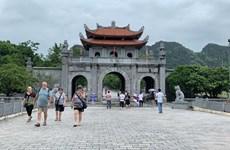 Les peintures murales embellissent l'ancienne capitale de Hoa Lu