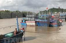 Inondations au Centre : Hanoï et Quang Ngai au chevet des sinistrés