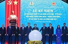 Le président Nguyen Xuan Phuc apprécie le rôle des ouvriers