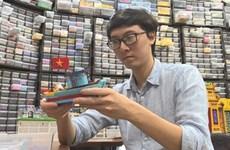 Un ingénieur qui voue au Lego une passion solide comme la brique
