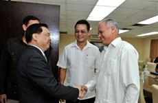 Le Vietnam et Cuba partagent des expériences en matière de travail idéologique