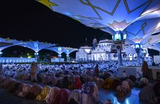 Les musulmans indonésiens commencent le jeûne du mois de Ramadan