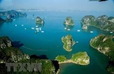 Excursion incroyable en hélicoptère de la baie d'Ha Long
