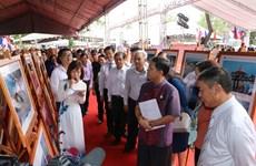 Exposition de photos et de documentaires sur la communauté de l'ASEAN à Can Tho