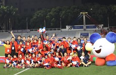 SEA Games 30 : la joie des footballeuses vietnamiennes après avoir remporté la médaille d'or