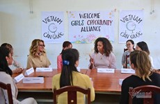 L'ancienne première dame américaine Michelle Obama visite le lycée Can Giuoc (Long An)