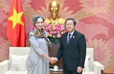 Le vice-président de l'Assemblée nationale Do Ba Ty reçoit l'ambassadrice du Mexique au Vietnam