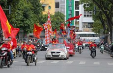 Match Vietnam - Thaïlande : Les supporteurs défilent pour encourager l'équipe vietnamienne