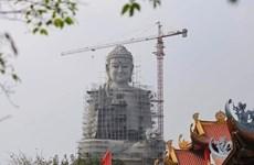 Contempler la plus grande statue de Bouddha en Asie du Sud-Est