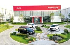 Thaco exporte des premières voitures touristiques Kia vers la Thaïlande