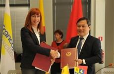 Le Vietnam et la fédération Wallonie-Bruxelles signent 25 projets de coopération