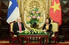 Promotion de la coopération entre Hanoi et la région finlandaise d'Ostrobotnie du Sud