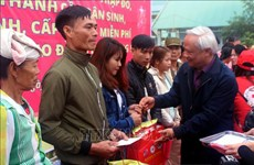 """Le vice-président de l'AN Uông Chu Luu au programme """"Têt de retrouvaille"""" à Thanh Hoa"""