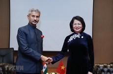 Activités de la vice-présidente Dang Thi Ngoc Thinh au Tadjikistan