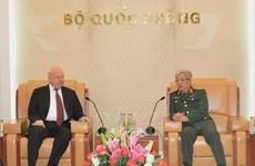 Un vice-ministre de la Défense reçoit l'ambassadeur de Russie au Vietnam