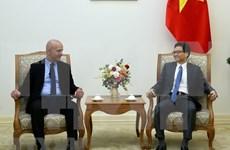 Le vice-PM Vu Duc Dam reçoit le secrétaire général de l'AISS