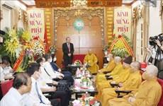 Le vice-PM Truong Hoà Binh présente ses vœux à l'occasion du Vesak