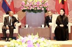 La présidente de l'AN du Vietnam rencontre son homologue cambodgien