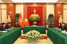 Vietnam-Japon : conversation téléphonique Nguyên Phu Trong et Suga Yoshihide