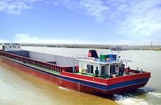 Les frais pour le transport fluvial Vietnam-Cambodge réduits de plus de 10 fois