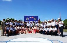 Les marines vietnamienne et philippine se rencontrent sur l'île de Song Tu Dong