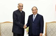Le Premier ministre Nguyen Xuan Phuc reçoit l'ambassadeur de l'Inde au Vietnam