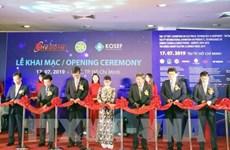 Ouverture d'expositions internationales sur les technologies électriques et l'énergie