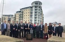 Une délégation de Son La visite la ville de Newhaven, en Angleterre