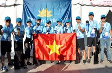 Vietnam Airlines participe à la course internationale des bateaux-dragons de Shanghai