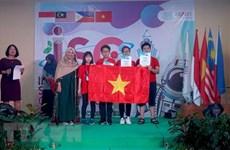 Des élèves de Hanoï primés au concours scientifique ISC 2019 en Indonésie